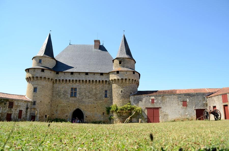Le château de Sigournais
