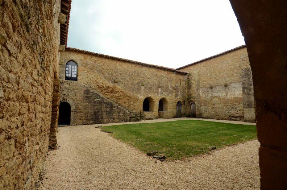 Le cloître carré ou les moines de Grandmont venaient méditer