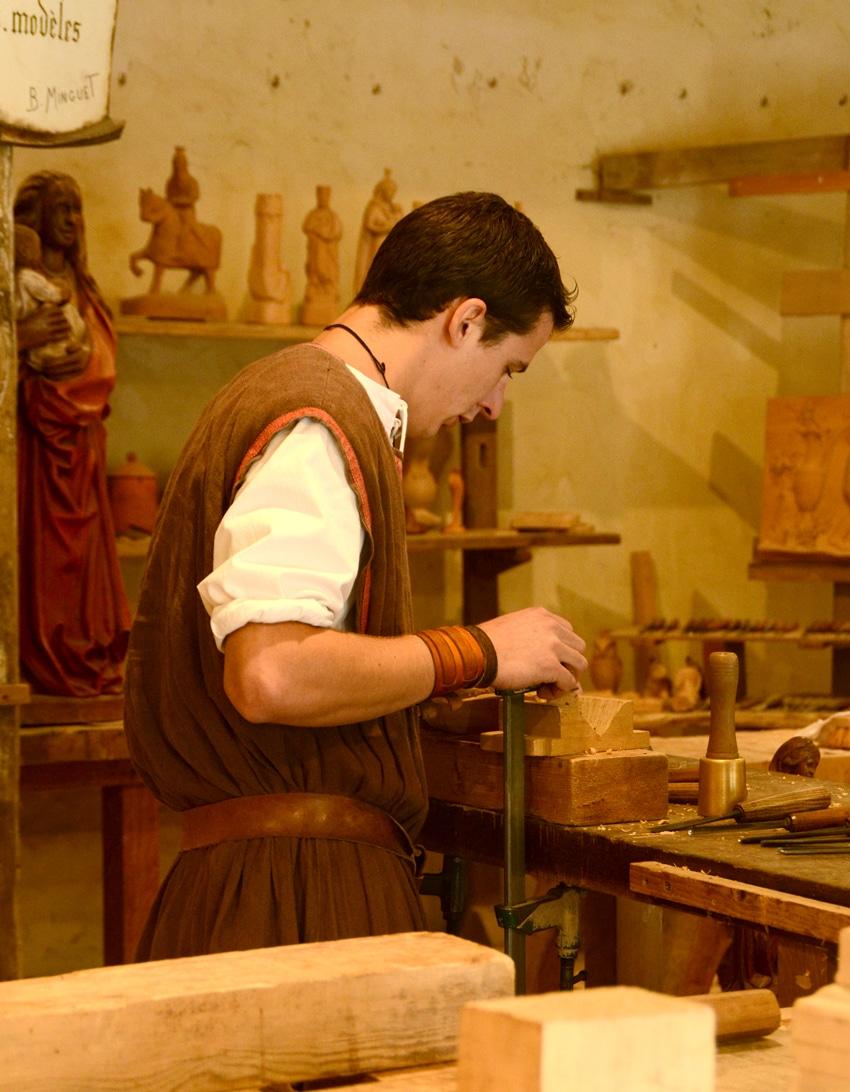 Sculpteur sur bois Puy du Fou