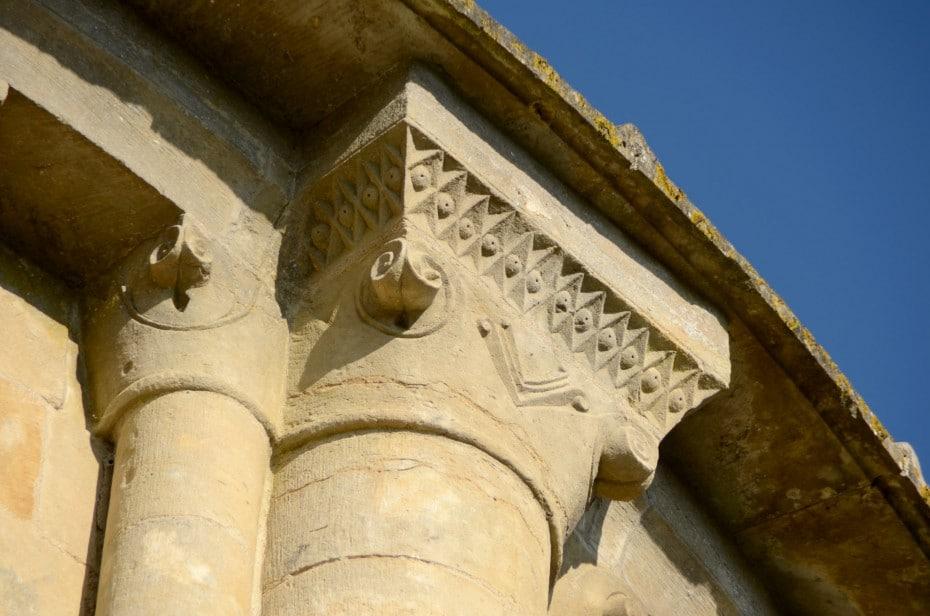 Chapiteau de l'église de Vouvant