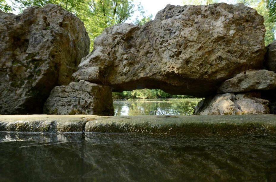 Vue sur le lay à partir des pierres du lavoir